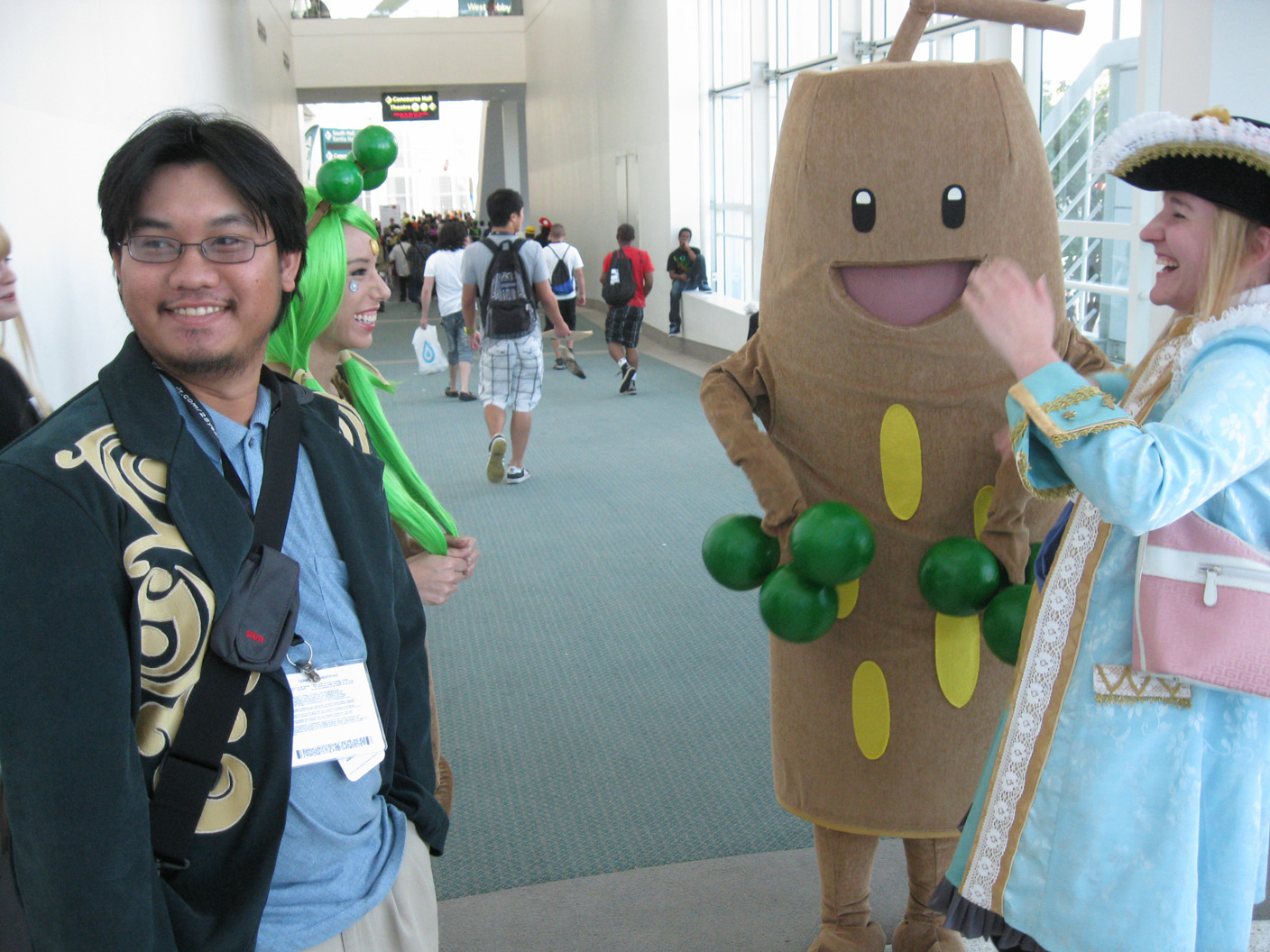 Anime-Expo-2011-%20Sudowoodo-Cosplay2.jpg