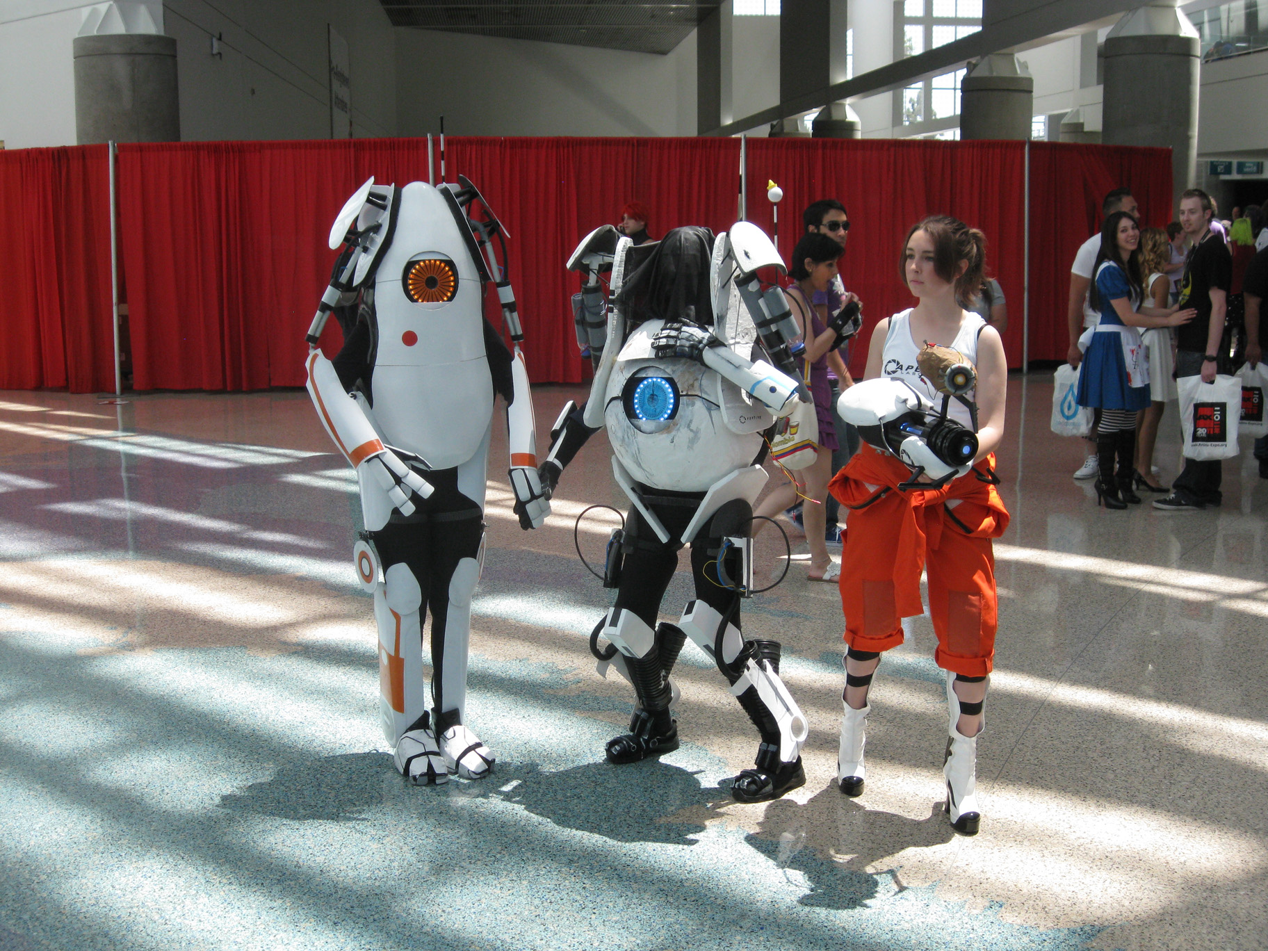 Anime-Expo-2011-Portal2-Cosplay.jpg