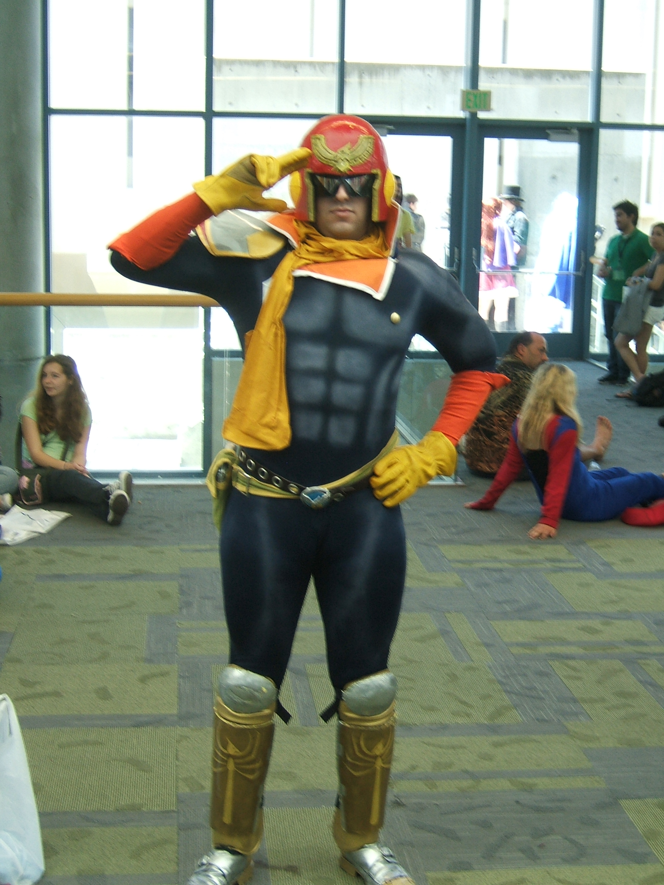Fanime-2010-Captain-Falcon-Show-Me-Your-Moves.JPG