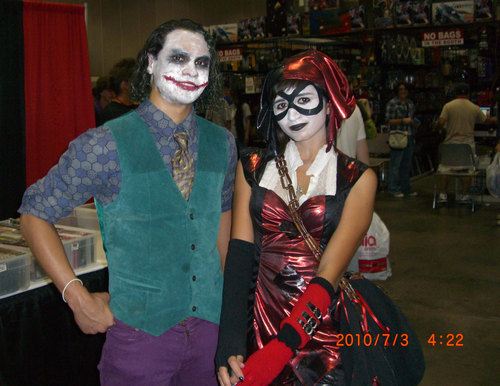 Anime-Expo2010-Dark-Knight-Joker-Cosplay.JPG