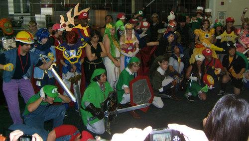 Anime-Expo2010-Nintendo-Cosplayers.JPG