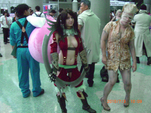 Anime-Expo2010-Tira-Cosplay.JPG