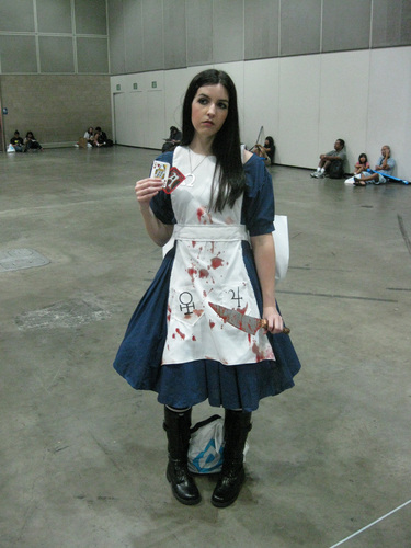 Anime-Expo-2011-Alice-Cosplay.jpg