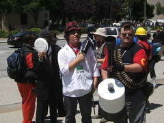 Fanime-2010-Team-Fortress2-Cosplay.JPG