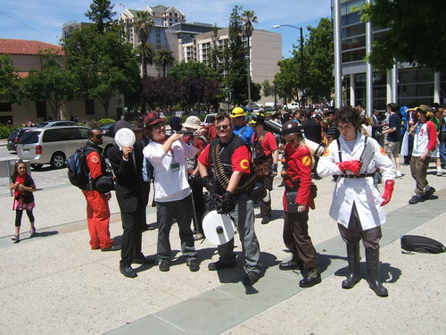 Fanime-2010-Team-Fortress2-Team-Red-Cosplay.JPG