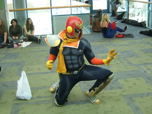 Fanime-2010-Captain-Falcon-Cosplay.JPG